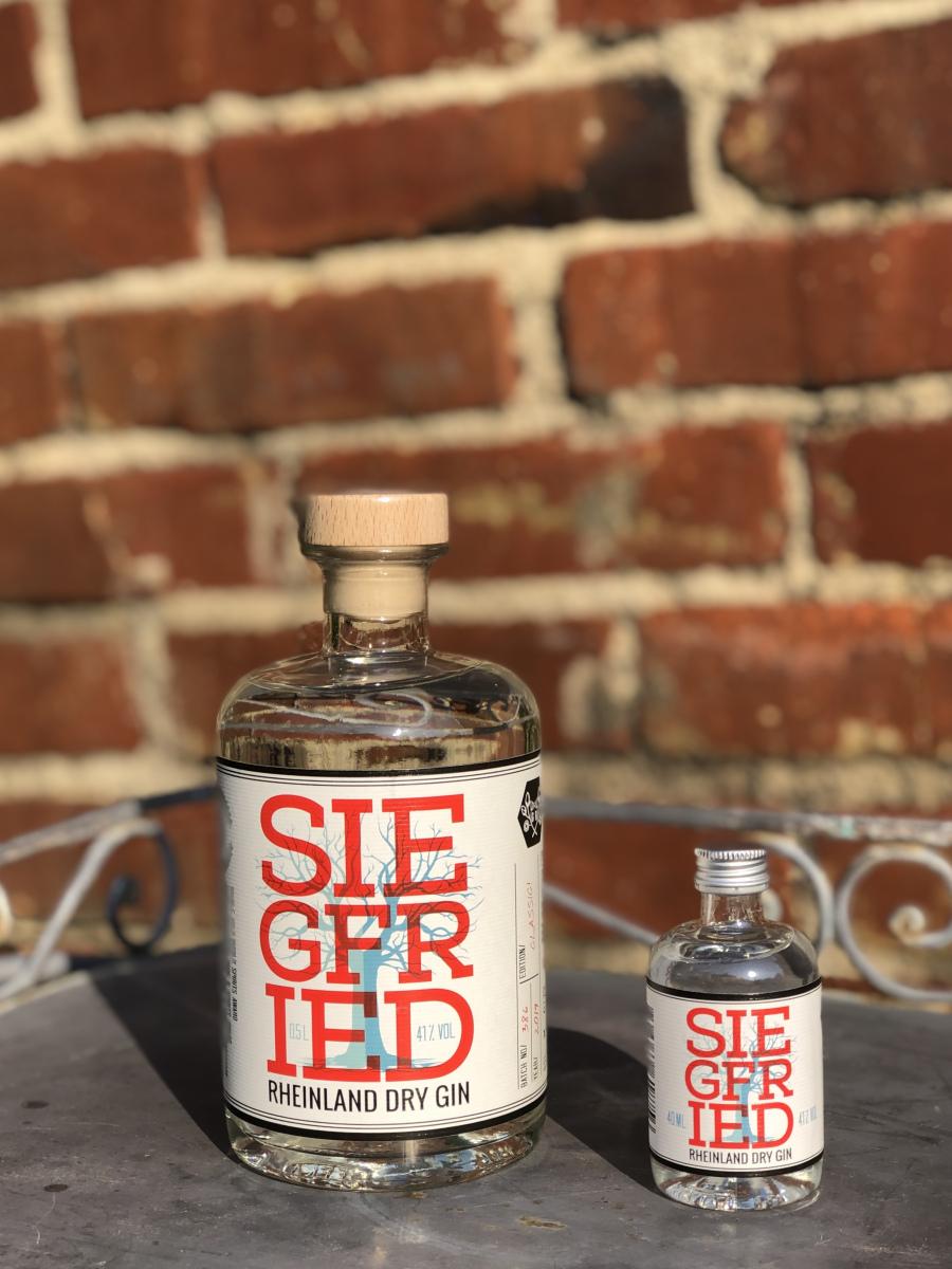 Siegfried Gin groß und klein